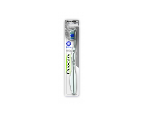Fluocaril® cepillo blanqueador 40 dureza media 1ud